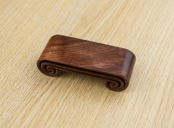 Set of three natural wooden rests for ink bars 02