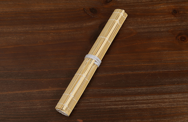 Natural coloured bamboo brush wrap 03