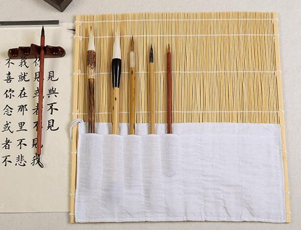Natural coloured bamboo brush wrap 04