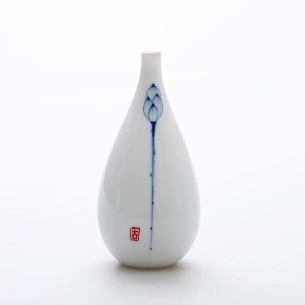 Oriental hand painted mini ceramic flower vase 07