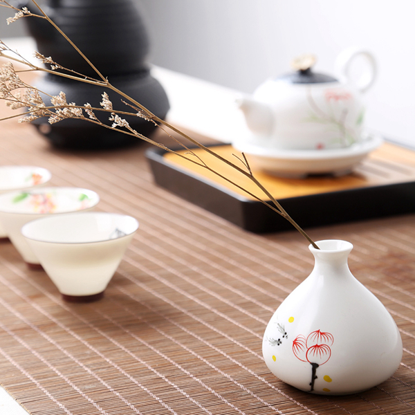 Oriental hand painted mini ceramic flower vase 15