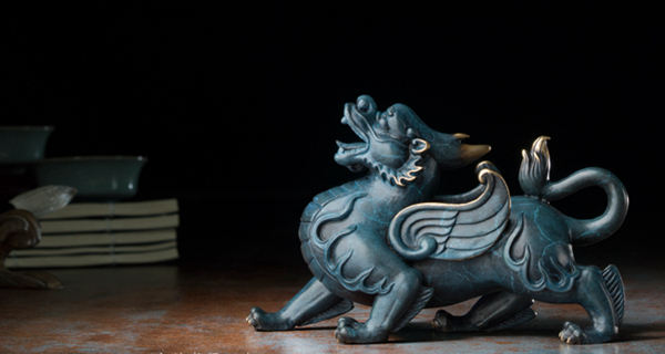 Statue of Pixiu: Oriental mythological creature that attracts abundance 10
