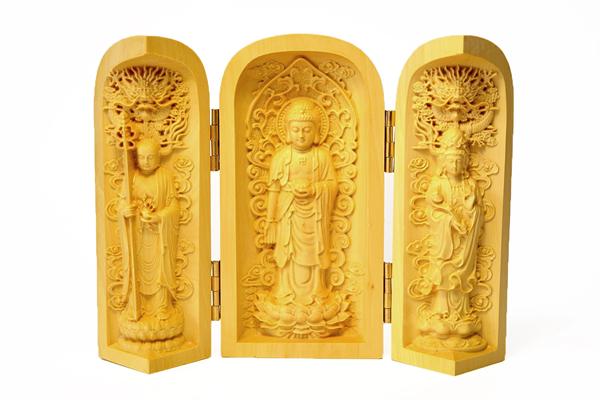 Buddha boxes: the mobile Buddhist altar 03
