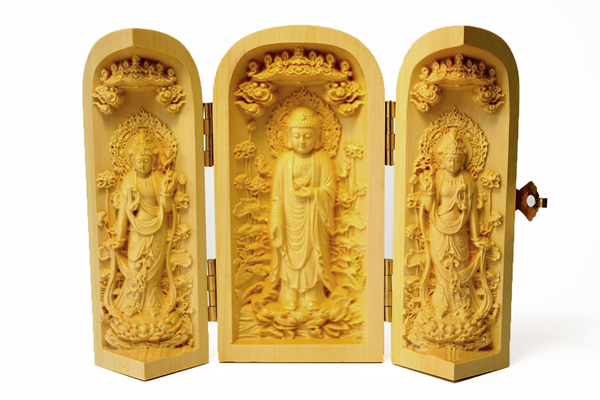 Buddha boxes: the mobile Buddhist altar 04