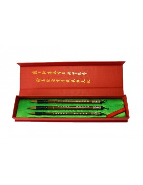 Special selection of painting brushes