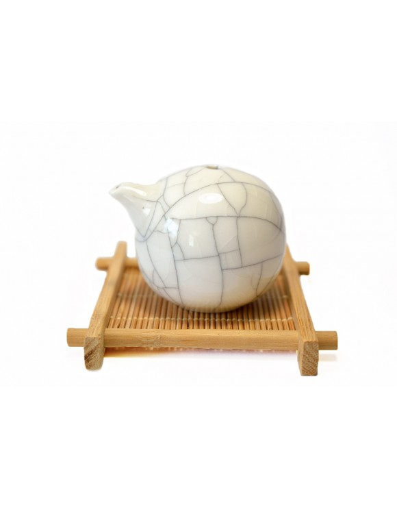 Traditional ceramic Ge style water dispenser for inkwell
