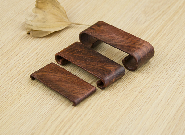 Set of three natural wooden rests for ink bars 01
