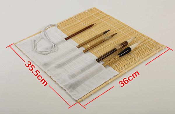 Esterilla de bambú de color natural para guardar pinceles 01