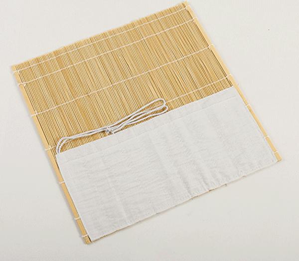 Natural coloured bamboo brush wrap 02