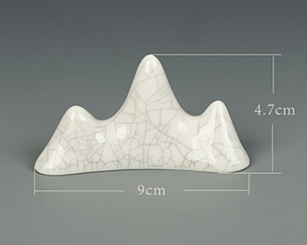 Brush support in the form of a mountain in the Ge ceramic style 01