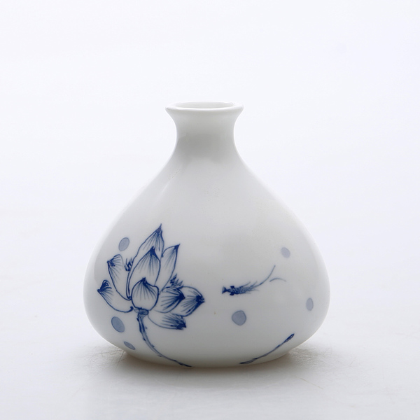Oriental hand painted mini ceramic flower vase 01