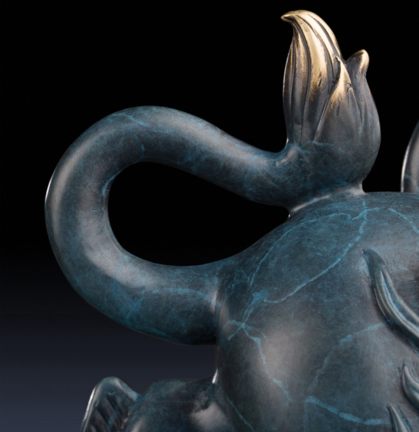 Statue of Pixiu: Oriental mythological creature that attracts abundance 08