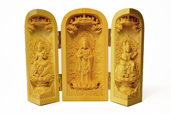Buddha boxes: the mobile Buddhist altar 01