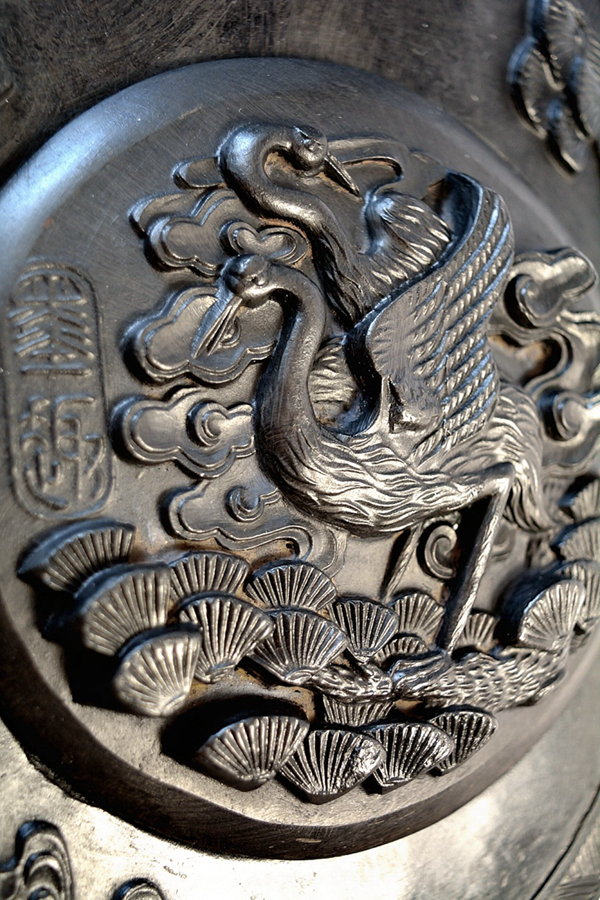 Inkstone with two Japanese cranes 01